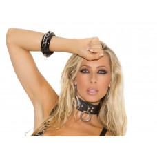 Leather choker with O ring and D ring. *Available Boxed - L9996